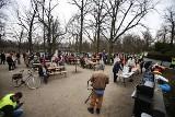Tłum bez masek na pikniku w Parku Południowym. Co na to policja?