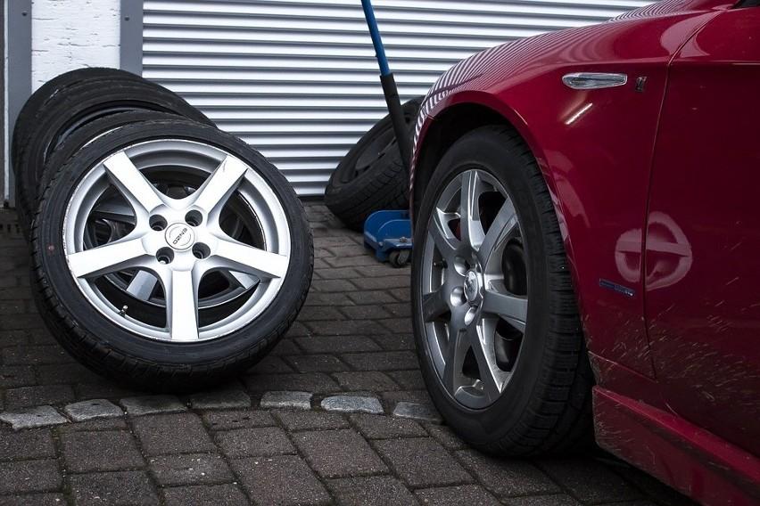 Czas wymiany opon na zimowe w samochodach zbliża się...