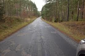 Będą pieniądze m.in. na drogę powiatową Łąkie - Borzyszkowy