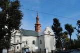 Wieża kościoła Wniebowzięcia Najświętszej Maryi Panny we Włoszczowie odzyskała blask. Koniec remontu (ZDJĘCIA)