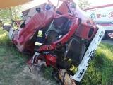 Wypadek strażaków w Pęczniewie w powiecie poddębickim. Trzech strażaków ochotniczych zostało rannych. Wjechali wozem bojowym do rowu