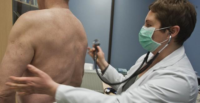 NFZ zapowiada, że od stycznia nie będzie płacił przychodniom za leczenie nieubezpieczonych pacjentów
