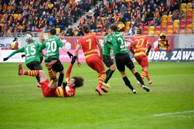 Dziesięć minut później po dośrodkowaniu Dzalamidze Mateusz Piątkowski strzelił głową drugą bramkę.