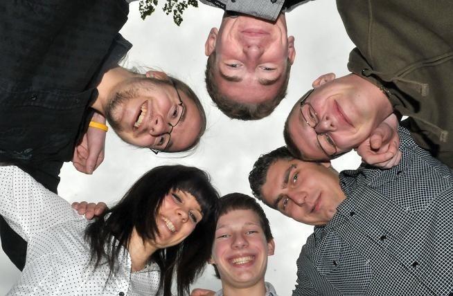 """W dyskusji w ramach """"Polskiej Wiosny"""" we wtorek w Bad Muskau uczestniczyli: Adrian Tyczyński, Przemek Rehbein, Mateusz Kamiński, Caroline Blauth, Paul Matzig i Paul Trinks."""