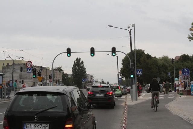 Kierowcy muszą długo czekać by skręcić w Tatrzańską