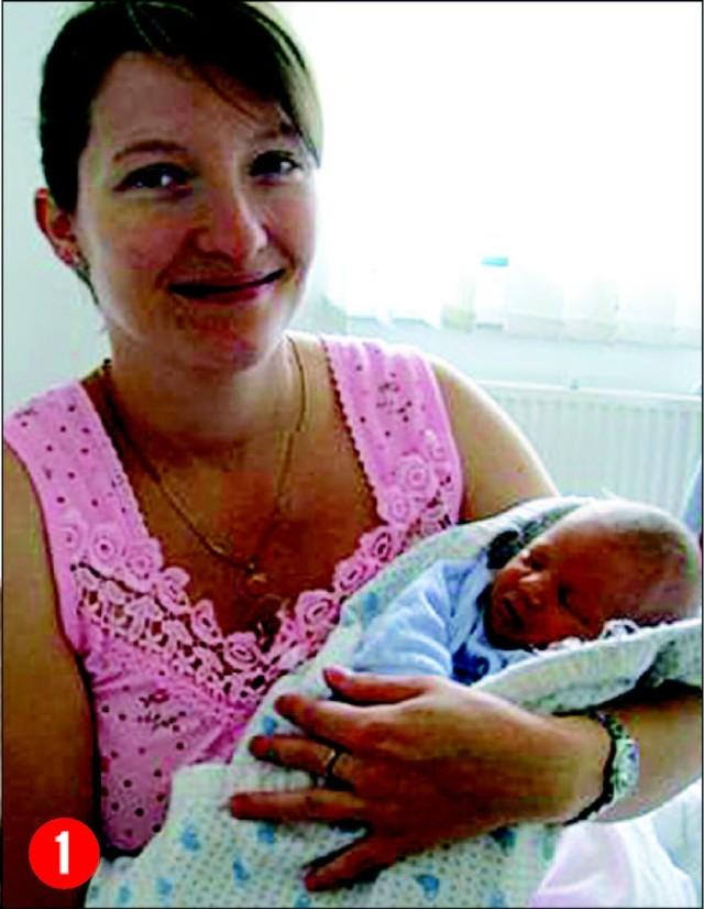 Natalia, córka Agnieszki i Piotra Chelchowskichz Ostroleki, urodzila sie 24 września o godzinie 2.15.Wazyla 2400 g, mierzyla 47 cm. To pierwsze dziecko panstwaChelchowskich.