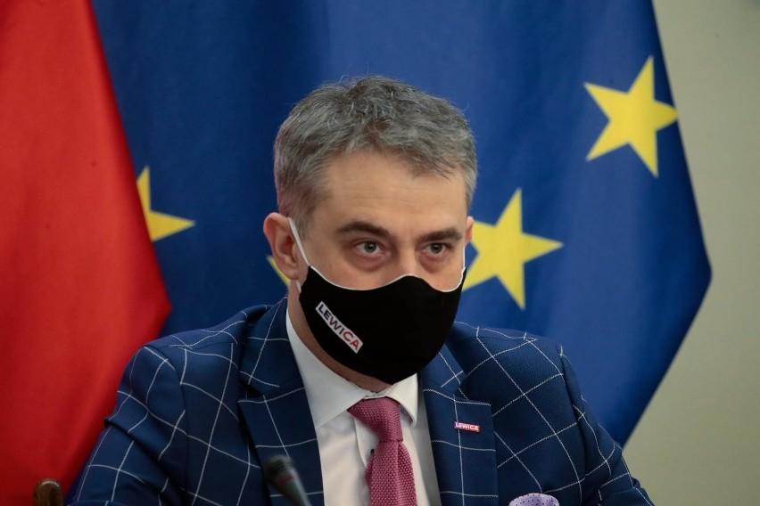 """""""Księga błędów i zaniechań rządów PiS"""". Konferencja Lewicy..."""