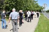 Inowrocław. Ogromna kolejka przed Punktem Szczepień Powszechnych przeciw koronawirusowi w Inowrocławiu. Zdjęcia