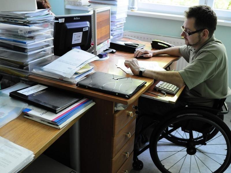 Niepełnosprawny Czeka Na Progu Czyli Można Składać Wnioski