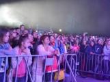 Znany wokalista, Andrzej K., odpowie za użycie słów niecenzuralnych podczas koncertu w Stężycy