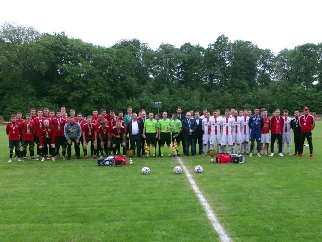 Okręgowy Puchar Polski Jarosław trafił w ręce Wólczanki Wólka Pełkińska (czerwono-czarne stroje)