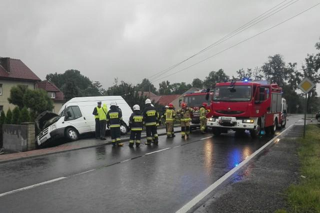 Wypadek w Sośnicowicach Zobacz kolejne zdjęcia. Przesuwaj zdjęcia w prawo - naciśnij strzałkę lub przycisk NASTĘPNE