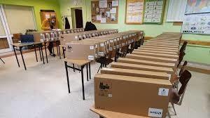 Urząd Marszałkowski w Opolu zakupił 4957 laptopów dla pedagogów ze szkół podstawowych. W sumie kosztowało to 14,9 miliona złotych.