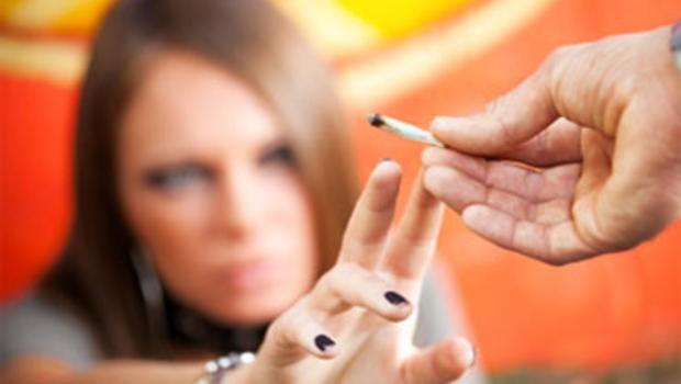 Co piąty nastolatek upił się przynajmniej raz w życiu, a co czwarty 15-latek próbował marihuany. To wyniki międzynarodowych badań, przeprowadzonych też w w Polsce.