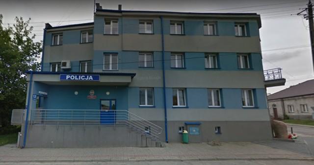 Obecna siedziba ostrowskiej policji pozostawia wiele do życzenia: nie jest dostosowana do potrzeb osób niepełnosprawnych i jest za mała.