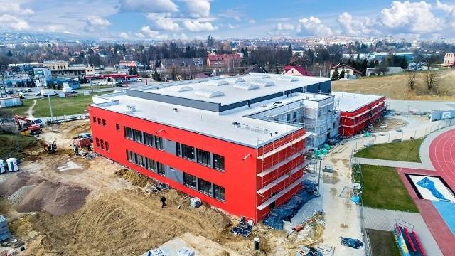 Szkoła podstawowa przy Arenie Lekkoatletycznej jest prawie gotowa. Uczniowie rozpoczną tu lekcje 1 września br.