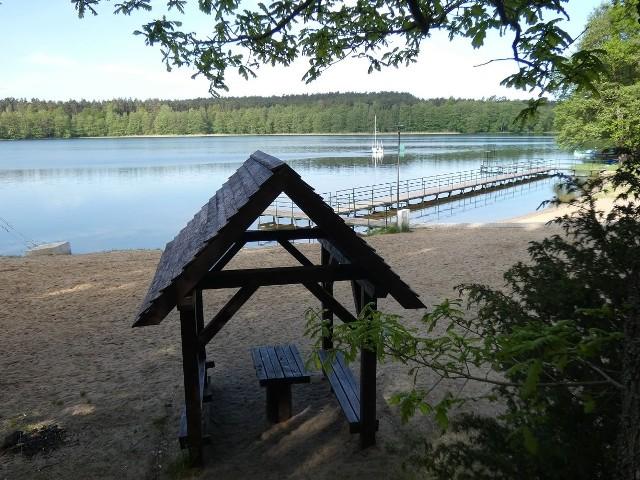Są pieniądze na rozwój bazy turystycznej nad jeziorem Obłęskim. Gmina Kępice pozyskała dofinansowanie w wysokości 230 tysięcy złotych.