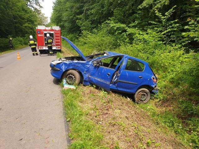 Zajmowanie się telefonem podczas jazdy samochodem, może mieć tragiczne konsekwencje.