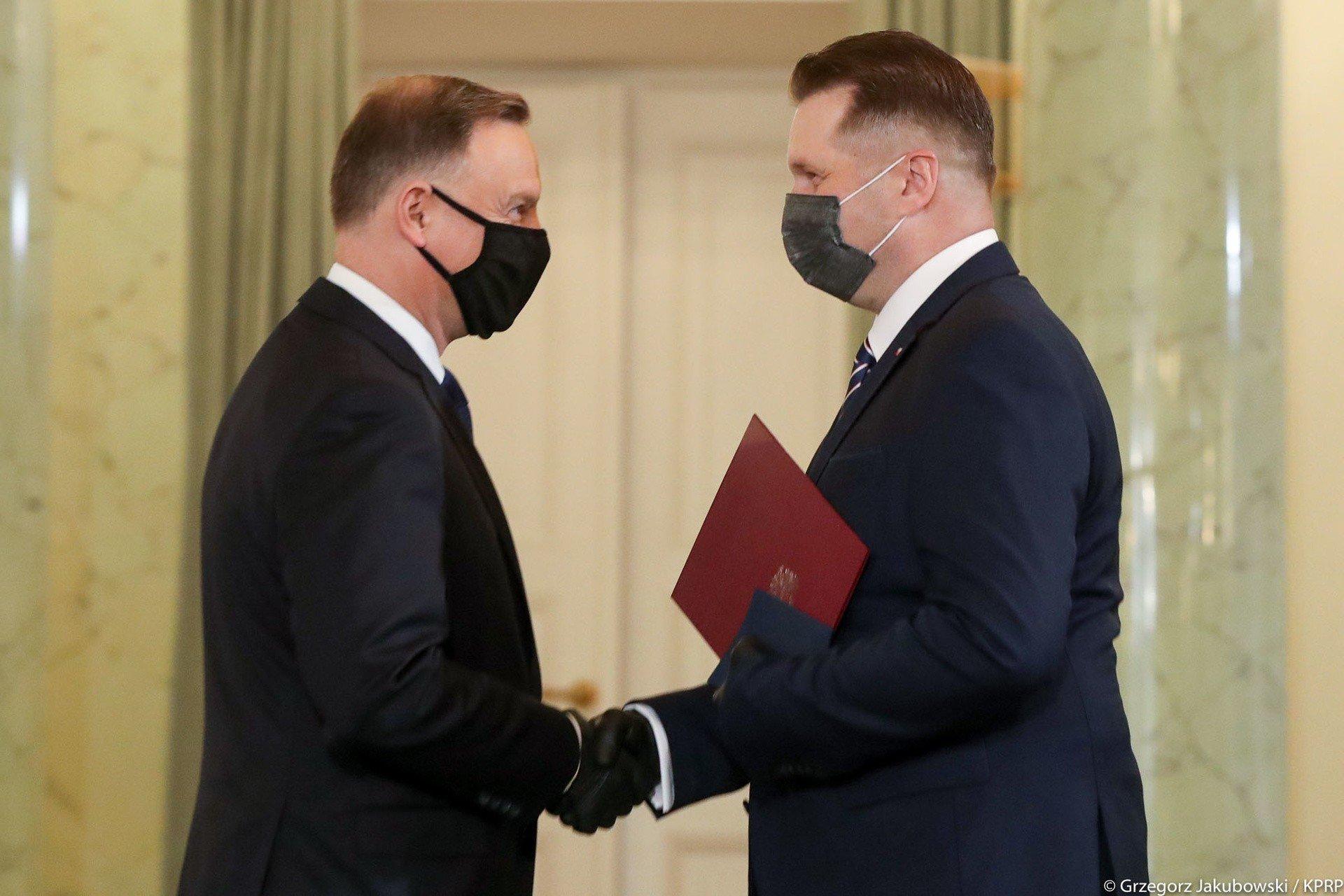 Przemysław Czarnek oficjalnie ministrem edukacji i nauki. Prezydent Andrzej Duda dokonał zaprzysiężenia   Polska Times
