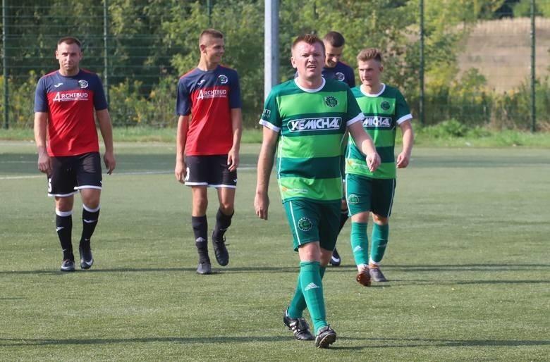 W środę podopiecznych grającego trenera Marcina Wiatraka (na pierwszym planie) czeka trudne spotkanie z Energią Kozienice.