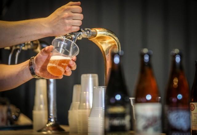 Jak wynika z danych Państwowej Agencji Rozwiązywania Problemów Alkoholowych, najpopularniejszym alkoholem w Polsce jest piwo.
