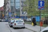 Poznań VIVA senior: Transport na terenie cmentarzy komunalnych za złotówkę. Seniorów będą wozić meleksami od października