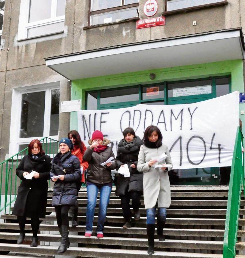 Szkoła Podstawowa nr 104 w Krakowie po protestach ocalała