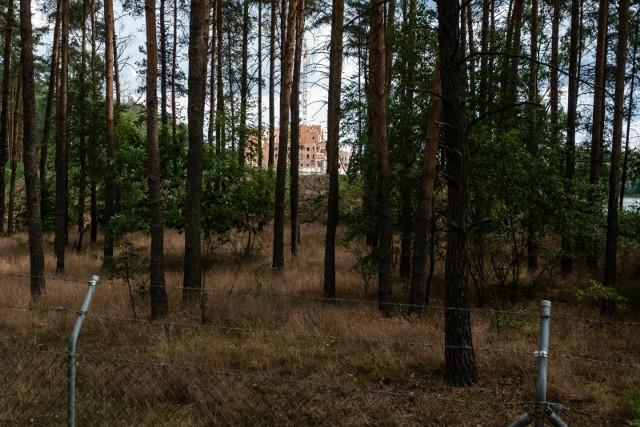Fundacja Fauny Polski powstała w 2017 roku, czyli kiedy zamek w Stobnicy już był w budowie.