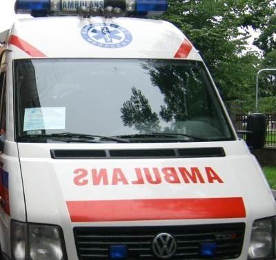 Ranny mężczyzna został przewieziony do szpitala.