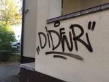 """Wandal podpisujący się na kieleckich budynkach zatrzymany przez policję. """"Diderowi"""" grozi nawet 5 lat więzienia (ZDJĘCIA)"""
