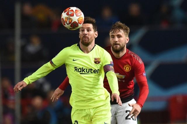 Messi na Old Trafford nie zachwycił, Shaw strzelił gola samobójczego.