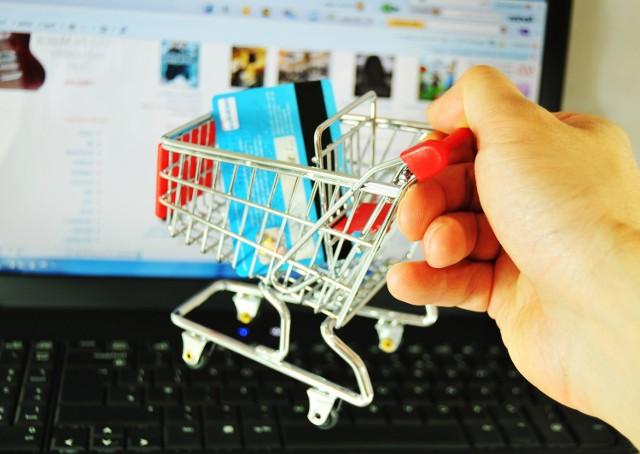 konsumenci nie poświęcają zbyt wiele czasu i uwagi, by zaznajomić się ze swoimi uprawnieniami i zasadami korzystania z nich, wtym z zasadami zwrotu towarów
