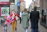 Opole. Od soboty wszyscy mieszkamy w żółtej strefie. Czy mieszkańcy dostosowali się do nakazu i noszą maseczki?
