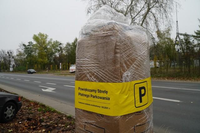 Od 1 lutego przyszłego roku na Wildzie i Łazarzu będzie obowiązywać strefa parkowania - już są stawiane tam parkomaty