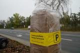 Strefa Parkowania na Wildzie i Łazarzu w Poznaniu. Identyfikatory sprzedawane są na ul. Pułaskiego 9 i Wilczak 17. Sprawdź ceny i promocje