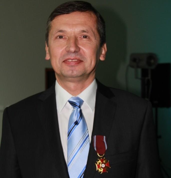 Dyrektor Mirosław Majchrowicz za wkład w rozwój firmy i lokalnej społeczności dostał wysokie odznaczenie państwowe.