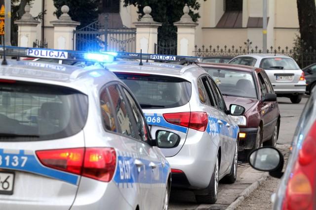 Policjanci znaleźli w samochodzie 130g narkotyków.