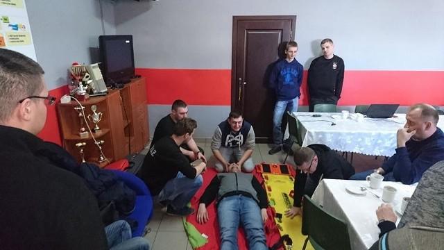 Strażacy z Wałdowa często powtarzają szkolenia. Nie tylko te obowiązkowe. Gdy jest możliwość, uczą też innych