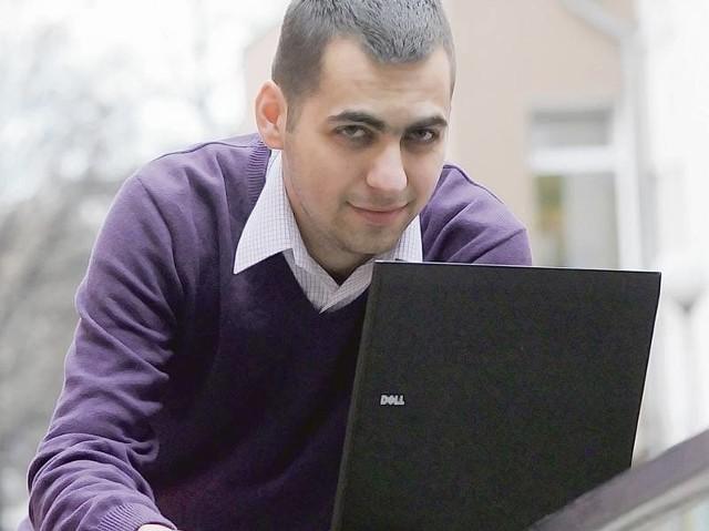 Radny Mariusz Marchewka (PO) uważa, że każdy radny powinien kupić sobie laptopa za własne pieniądze