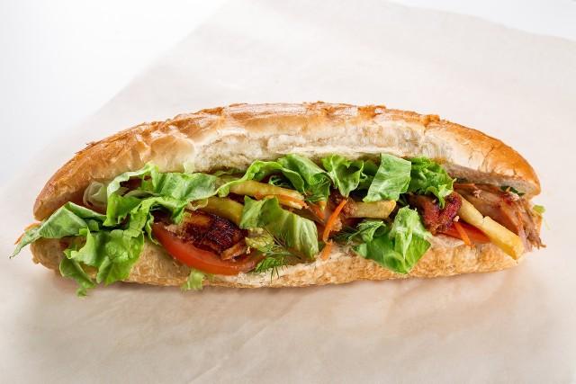 Trudno znaleźć w Polsce dom, gdzie nie jada się kanapek – nasz pyszny, rodzimy chleb lub chrupiąca bułka, do tego świeże masło, ser, pomidor, wędlina… A jakie kanapki jada się na świecie?