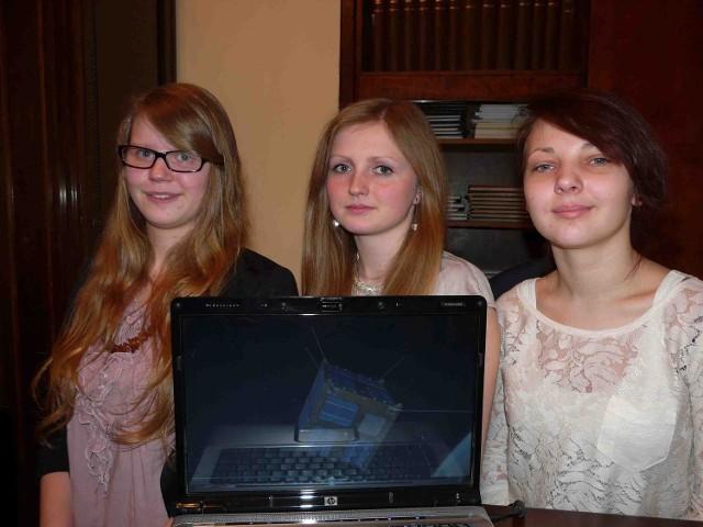 Licealistki z sieradzkiego ogólniaka w nagrodę za wygranie konkursu polecą w kosmos. Na polskim satelicie umieszczono ich imiona i nazwiska