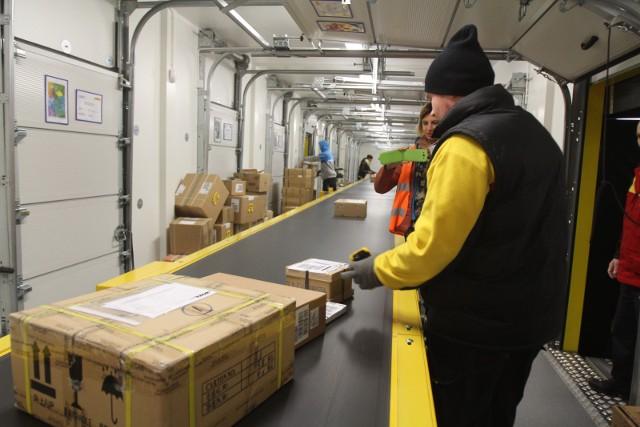 Dobra passa e-commerce wymusza na rynku pocztowym ciągły rozwój jeśli chodzi formę doręczenia oraz format przesyłki- zauważa ekspert.