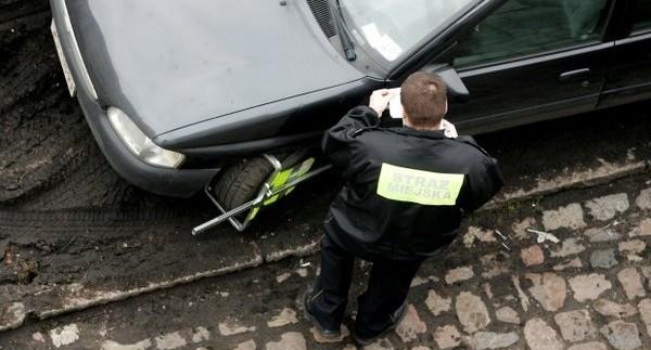 Po zmianie ustawy, która pozwala strażnikom interweniować również na osiedlach i drogach wewnętrznych znacznie wzrosły zgłoszenia od mieszkańców