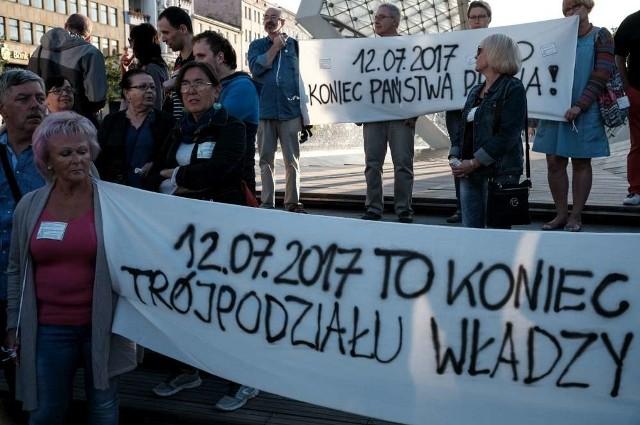 Manifestacja w Poznaniu w obronie sądów