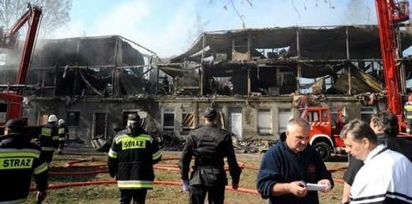 Po tragedii w Kamieniu. Znamy wyniki sekcji zwłok, w pożarze zginęły 23 osoby!