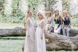 Unikalna sesja zdjęciowa w ogrodach Opery i Filharmonii Podlaskiej. Piękne suknie ślubne, fryzury i makijaże - zainspiruj się! [ZDJĘCIA]