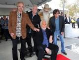 """Kenny Rogers nie żyje. Gwiazda muzyki country miała 81 lat. Zapamiętamy go m.in. z hitu """"We Are The World"""", nagranego z innymi muzykami USA"""