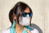 Nawet dwa lata w maseczce? Wiceminister zdrowia o obowiązku zakrywania twarzy i wakacjach w 2020 roku