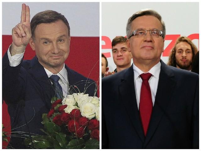 Andrzej Duda (z lewej) i Bronisław Komorowski