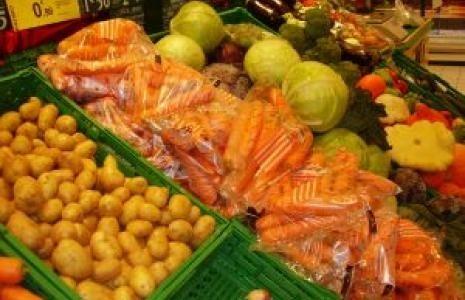 Święta będą droższe. Od roku wzrosły ceny jaj, warzyw i wędlin.
